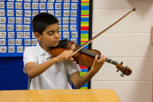 boy-violin_dsc9313-sw-dba